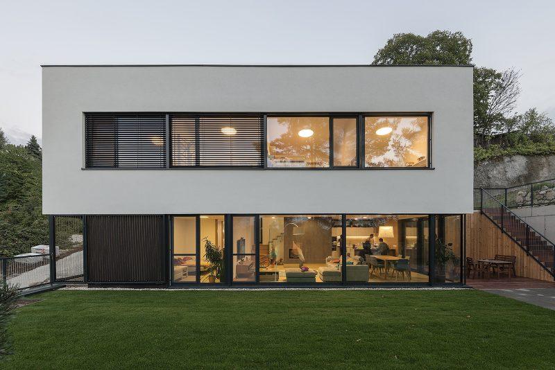 Dom s hliníkovými oknami Slovakual