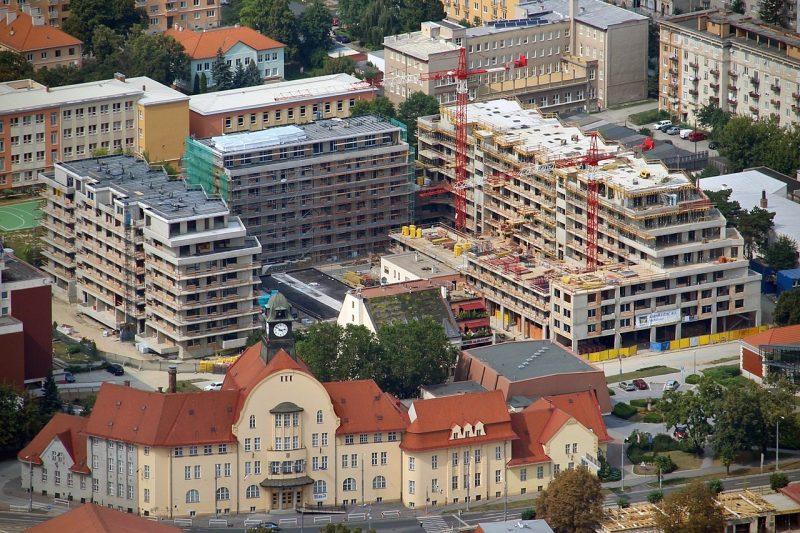 Pri radnici - Slovaktual okná