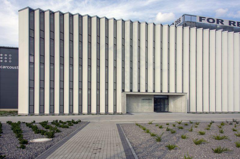 vstup do budovy Carcoustic Nováky