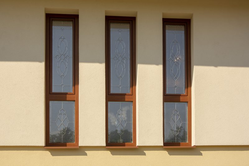 vitráž v oknách SLovaktual