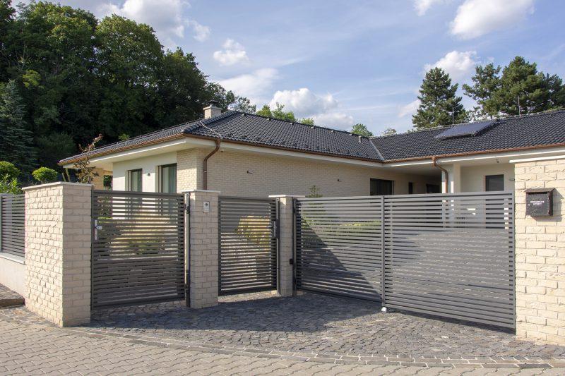 Hliníkové okná a dvere Slovaktual na dome v Bojniciach
