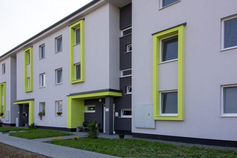 Nájomná bytovka v Pažiti s oknami Slovaktual