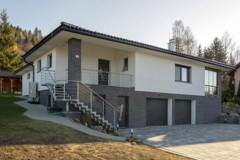 Dom s dverami od Slovaktualu