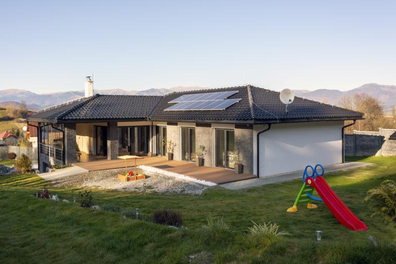 Dom s oknami od Slovaktualu
