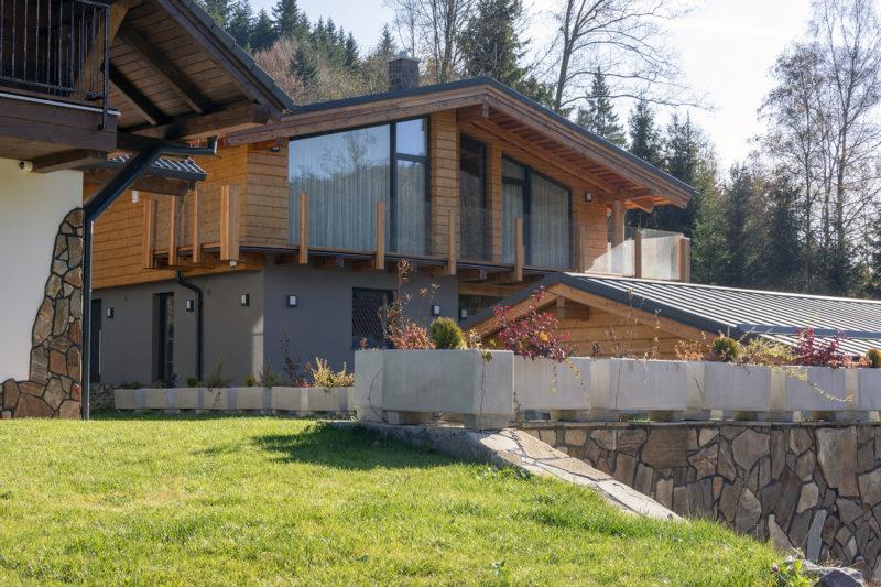 Chata v Bystrej doline s oknami Slovaktual