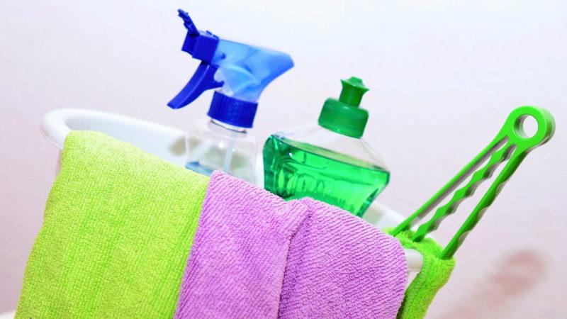 handry a čistiace prostriedky na okná a žalúzie