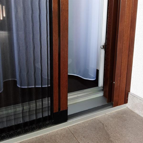 Sieťka proti hmyzu na balkónové dvere