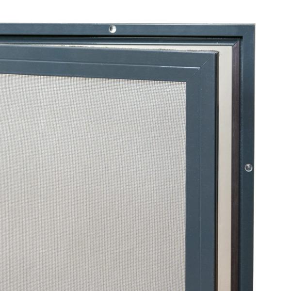 Pevná síťka proti hmyzu na dveře - otevřená
