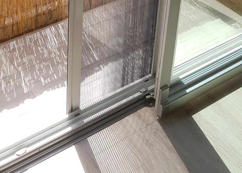 Plisovaná síťka proti hmyzu na posuvné dveře PSK