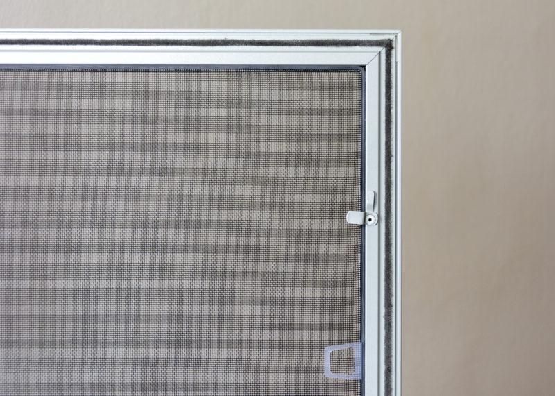 Síťka proti hmyzu na plastová okna - zevnitř