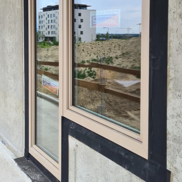 Plastové okná Slovaktual PASIV v bledej matnej farbe RAL 1019