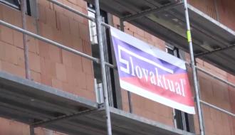 Vedeli ste, že Dara Rolins má na svojom dome okná od Slovaktualu?